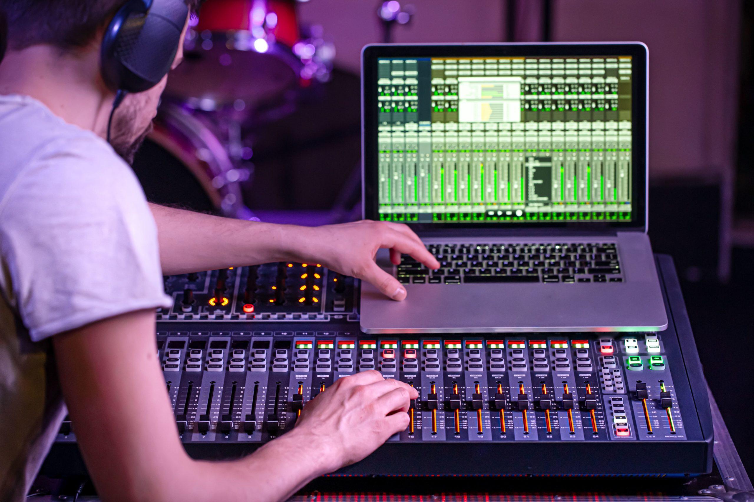 Sentezleyici / Synthesizer Nedir? Nereden Başlamalı?